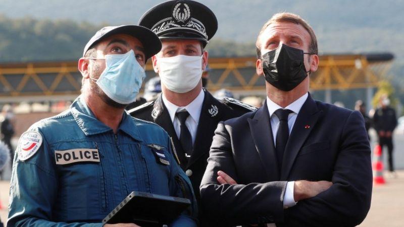 Atacuri teroriste din Franta: Macron solicita reforma libera circulatie a UE